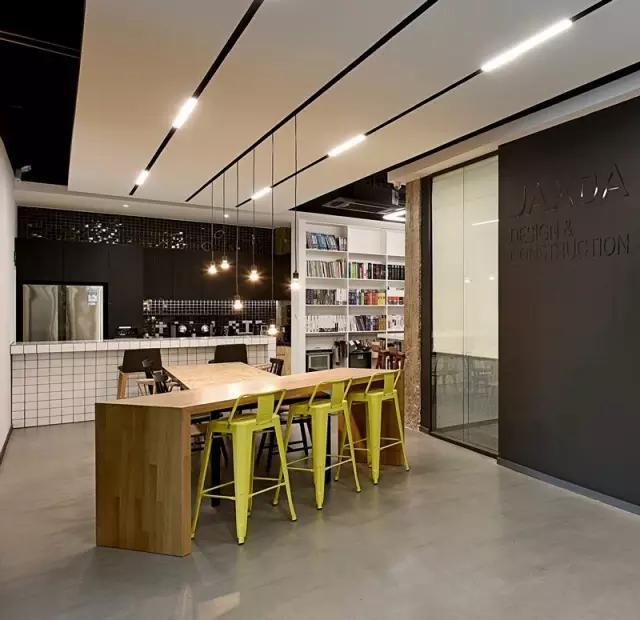 静静的办公室空间设计效果图